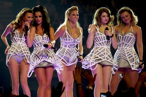 Girls Aloud make a fashion mistake