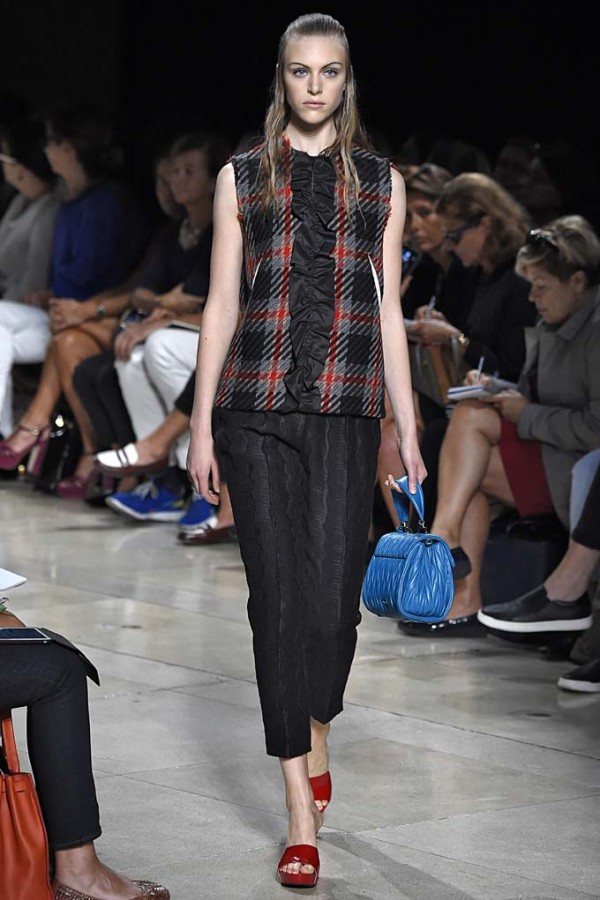 half up, half down spring 2015 fashion week
