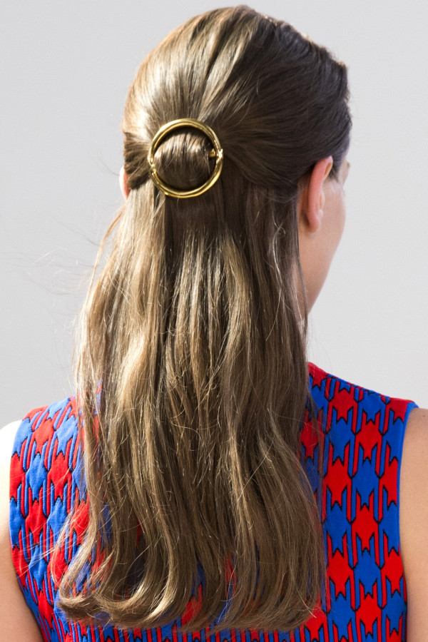Picture of circle air barrette