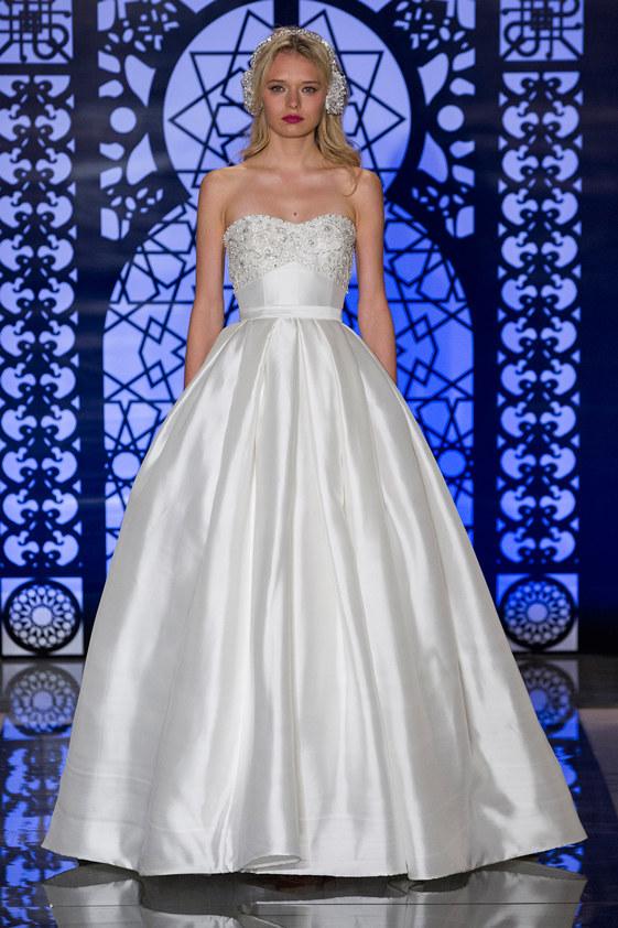 reem-acra-fall-2016-bridal-14