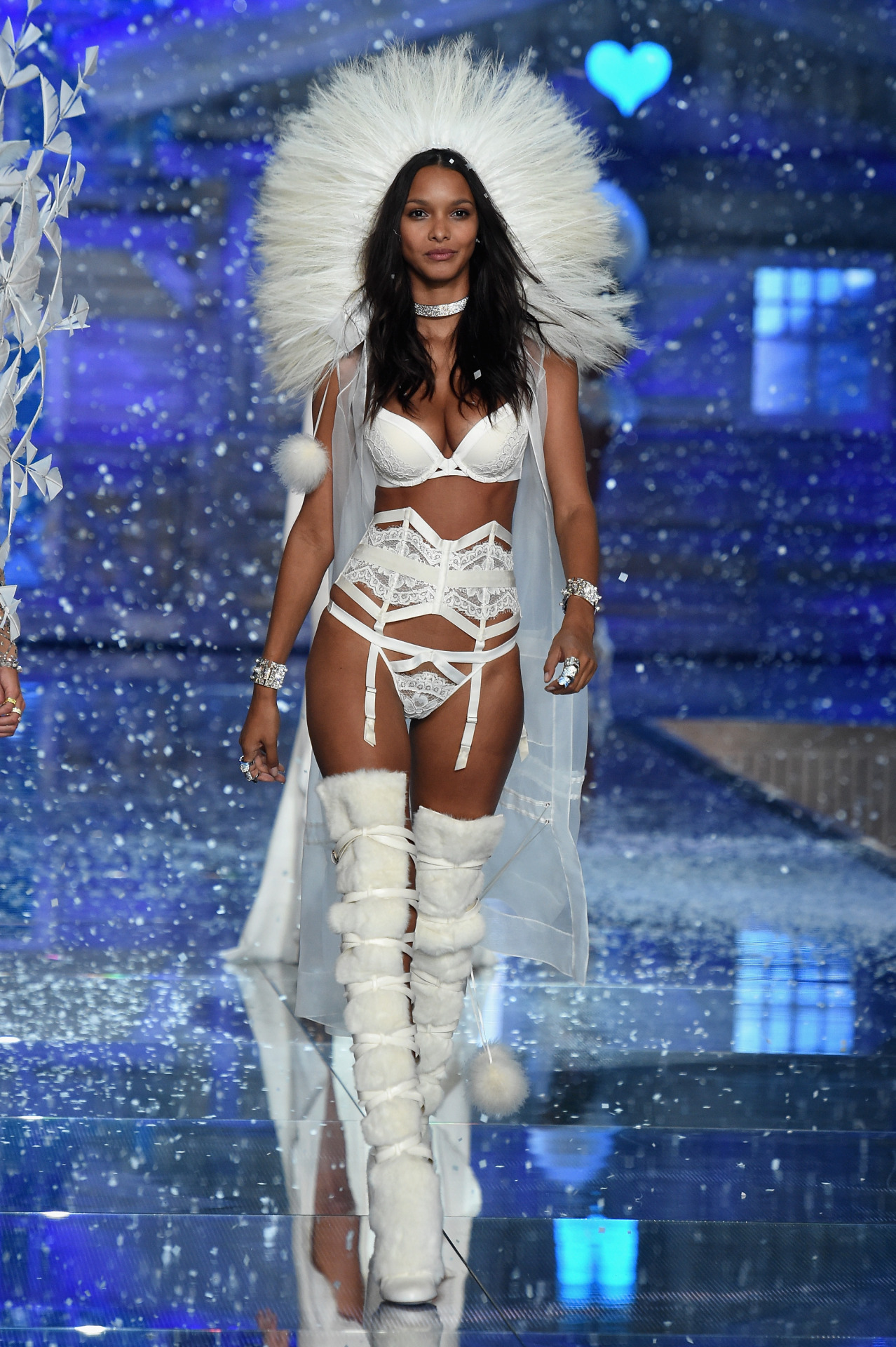Victoria's Secret Fashion Show 201518
