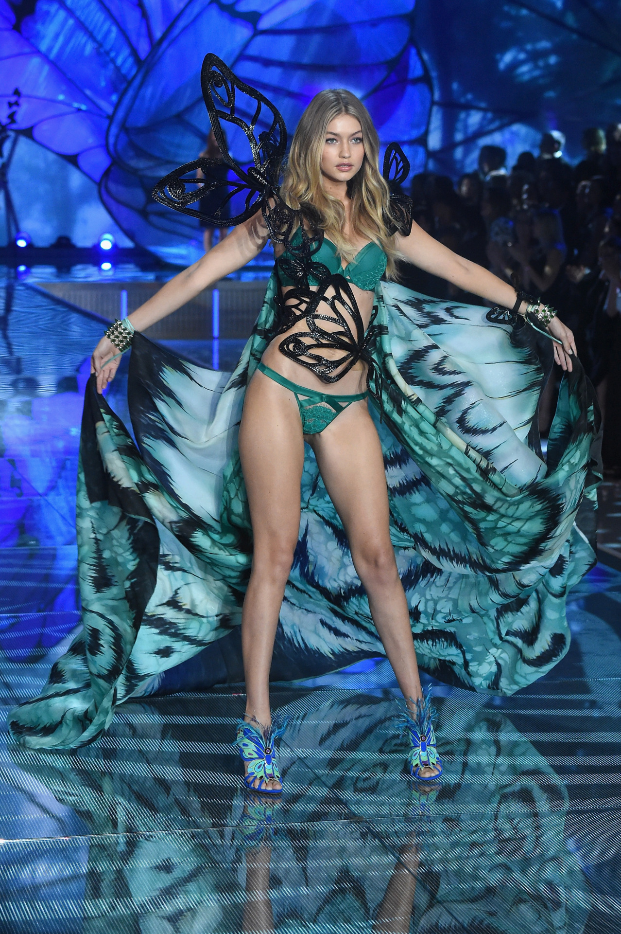 Victoria's Secret Fashion Show 201524