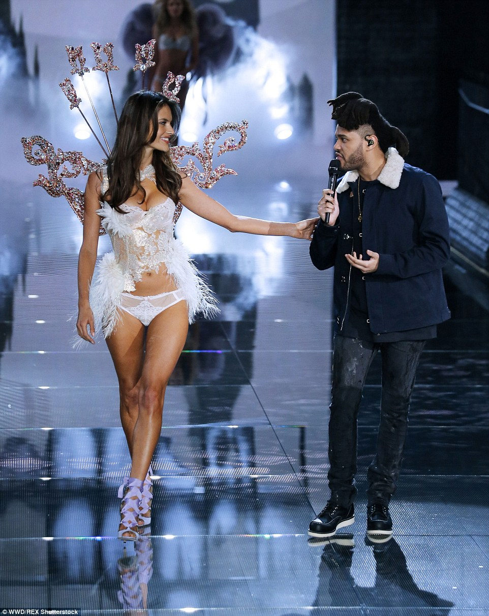 Victoria's Secret Fashion Show 20153