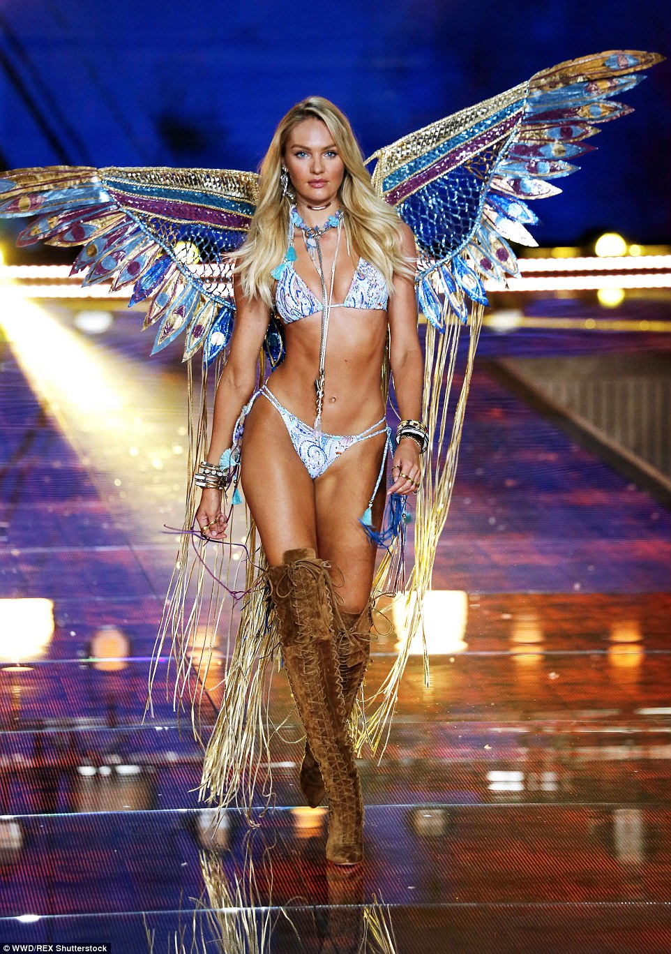 Victoria's Secret Fashion Show 20156