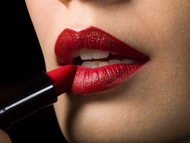 9 Signs That Prove You Are A Die Hard Red Lipstick Lover