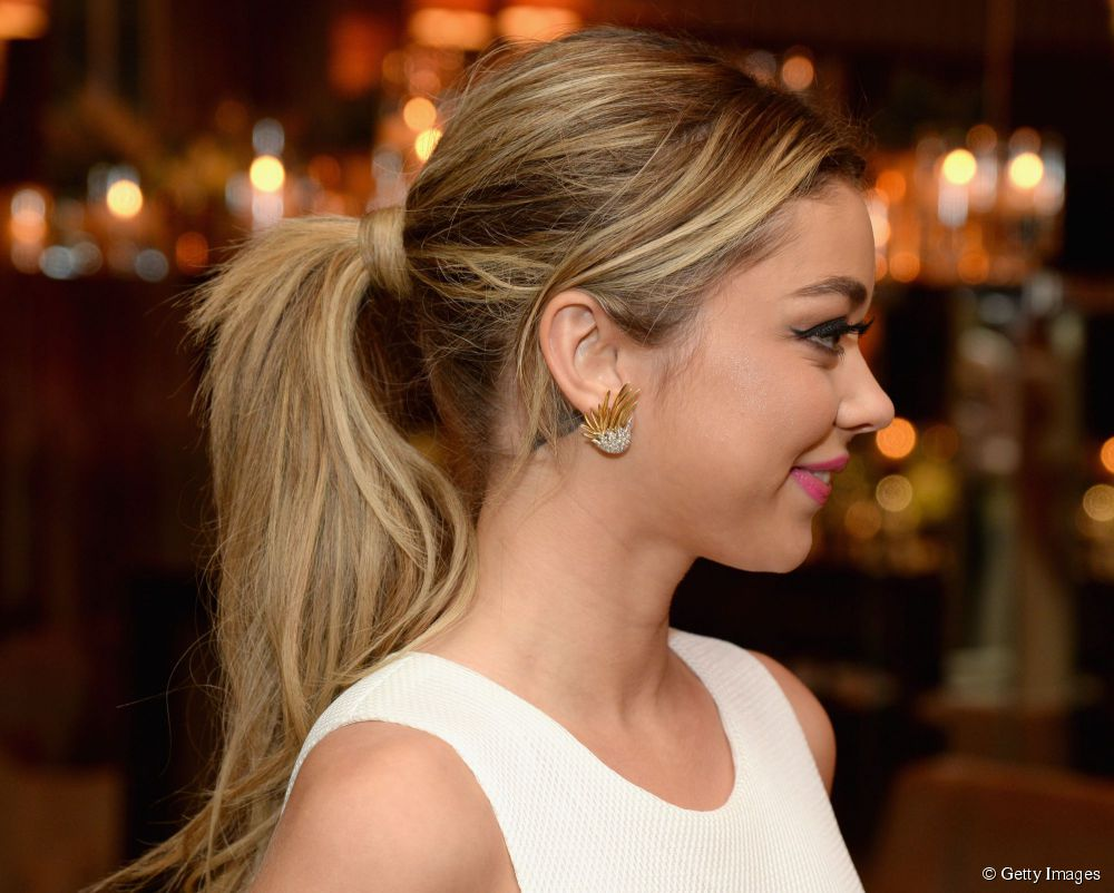Sarah Hyland low ponytail